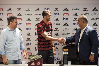 Gustavo Henrique sendo apresentado ao Clube. Foto: Alex Vidal - Flamengo