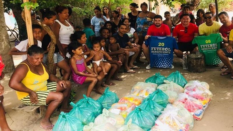 Edição 2019 do Futebol Solidário. Momento de entrega dos donativos. Foto: Divulgação
