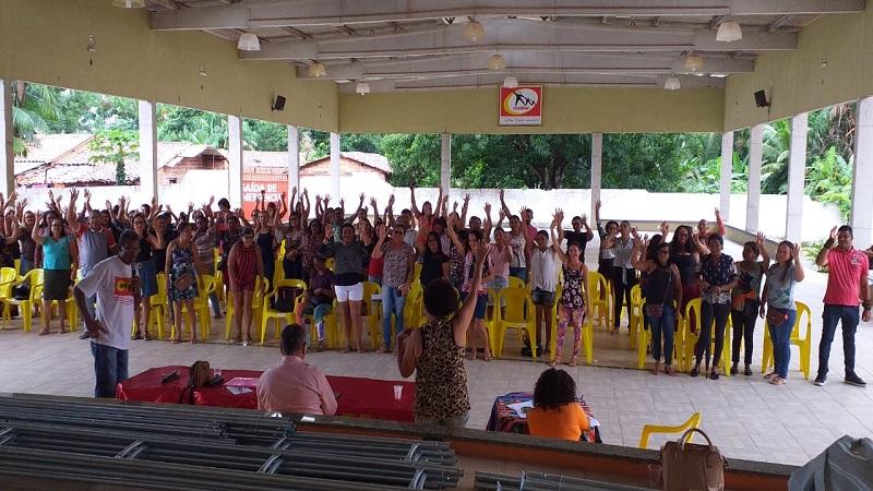Professores em assembléia na sede do sindicato dos servidores de Itapecuru Mirim. Foto: Divulgação