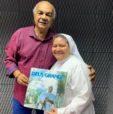 Zé Raimundo e Irmã Teresa nos estúdios da Rádio Timbiras. Foto: Reprodução facebook