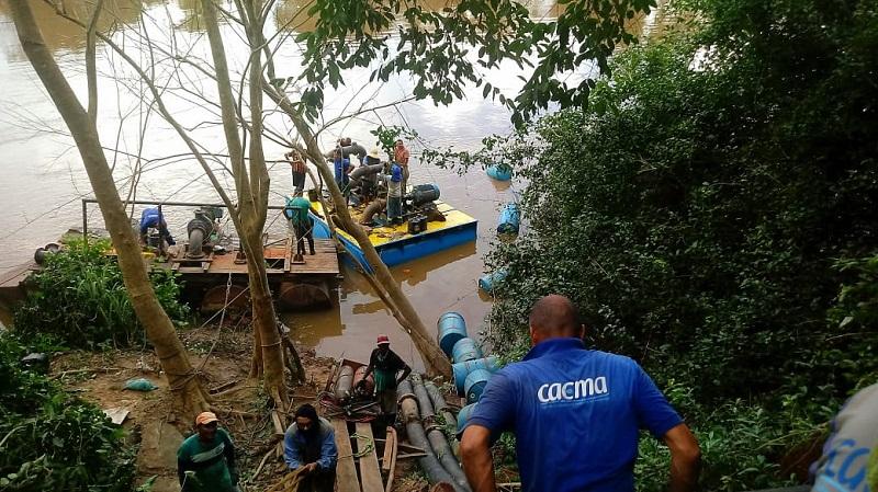 Trabalhadores da CAEMA na estação de captação em Itapecuru Mirim. Foto: João Di Bragança