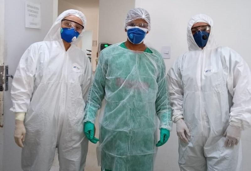 Equipe do HRAMF na área para tratar pacientes com COVID-19. Foto: Reprodução internet
