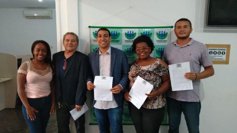Representantes da prefeitura, coorpercarim e defensoria pública após acordo. Foto: Divulgação