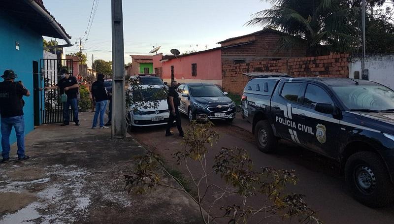 Abordagem da Polícia Civil durante Operação Midas no Bairro Novo, Miranda do Norte-MA. Foto: Divulgação